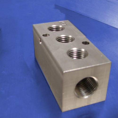 3-Station Stainless Steel Manifolds