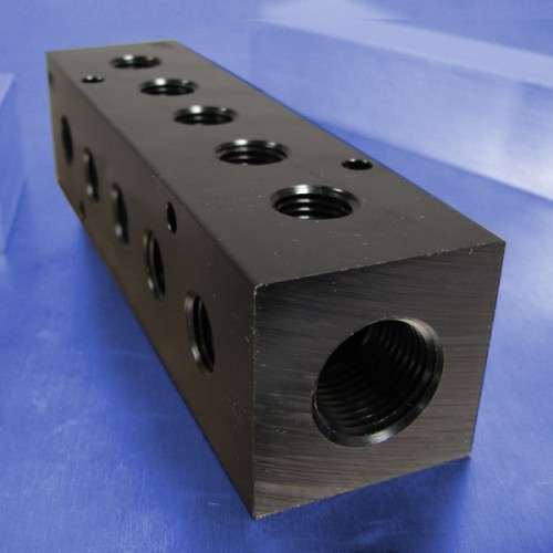 5-Station Pneumatic Manifolds (90 degree Output Ports)