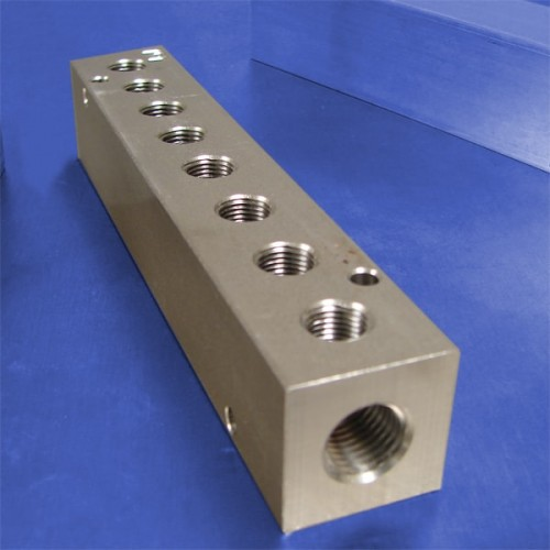 8-Station Stainless Steel Manifolds
