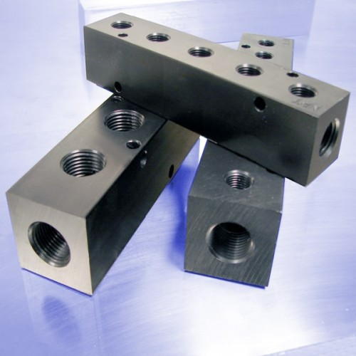 Pneumatic Manifolds: 1.5inch Output Spacing