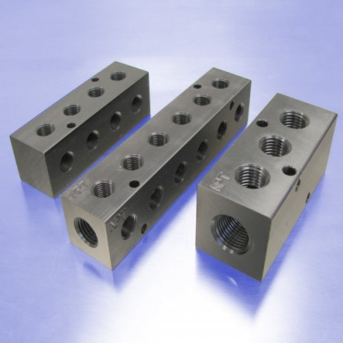Pneumatic Manifolds: 90 degree Output Ports